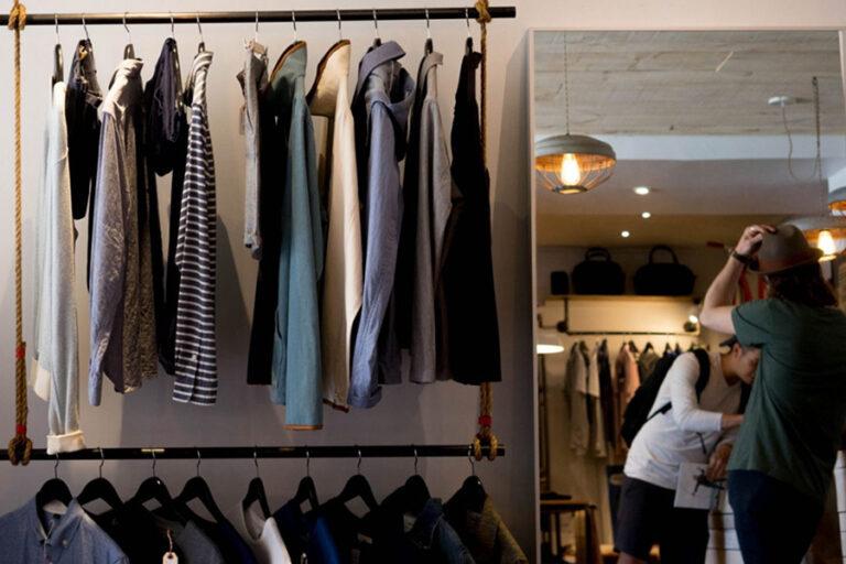 A Diverging Retail Sector: A Comparison of Corporate Bonds